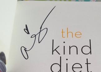 Authentic Alicia Silverstone  Autograph Exemplar